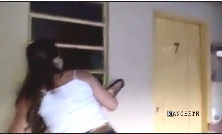 mulher flagra motel Flagrante da esposa no marido em porta do motel