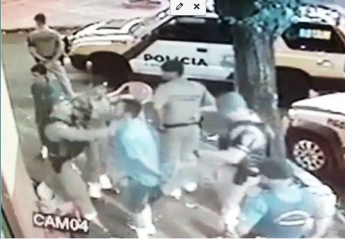 abordagem policial e1483404954943 Camera flagra abordagem da PM em Sarandi: Família denuncia
