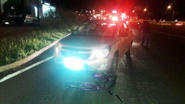 Foto de Ciclista fica gravemente ferido após atropelamento na Colombo