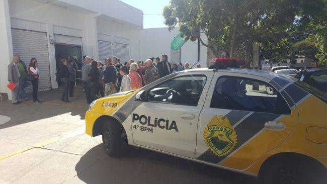 Foto de Até policia na porta do hospital Santa Rita