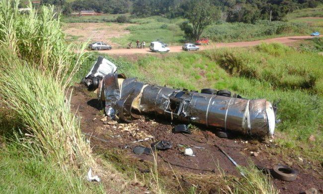 Foto de Sanepar descarta contaminação de água após vazamento de óleo