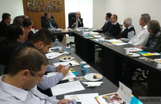 Foto de Reunião mensal de prefeitos da Amusep trata de lixo a cidades inteligentes