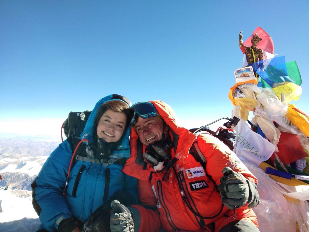 Foto de Pai e filha entram para a história ao escalar o Monte Everest