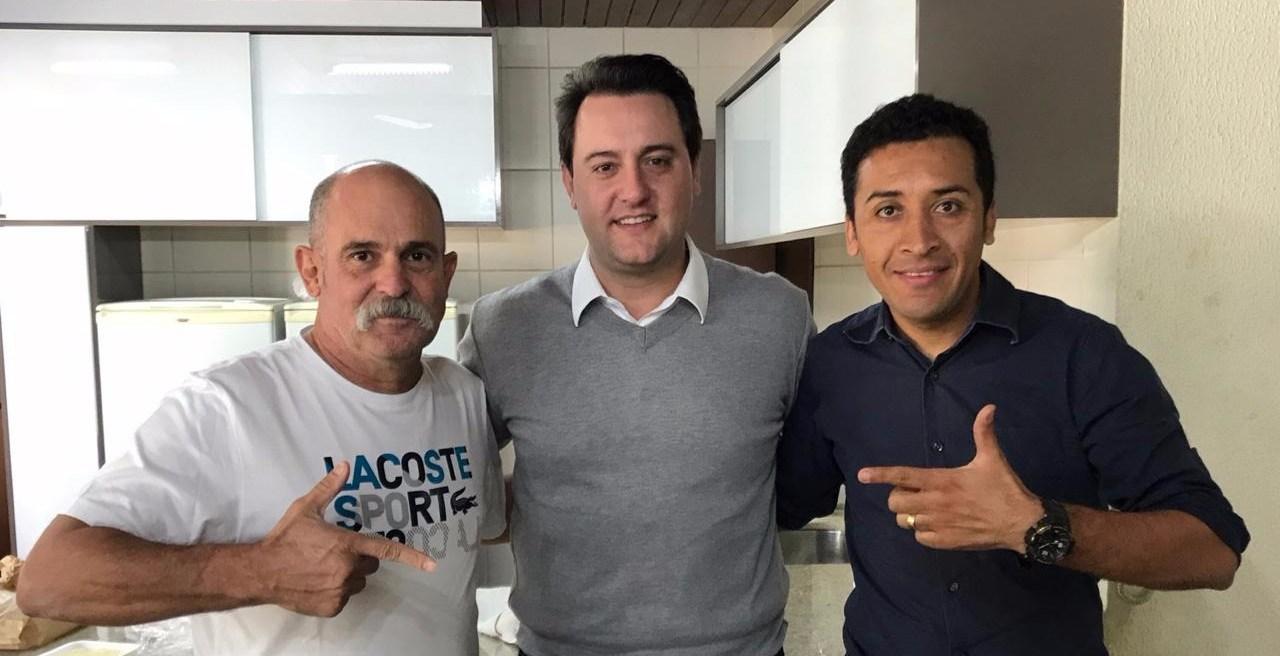 Fahur Ratinho adriano Sargento Fahur e Soldado Adriano José fazem pedidos a Ratinho Jr