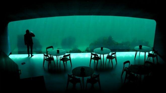 107009424 3 O impressionante restaurante submerso nas águas geladas da Noruega