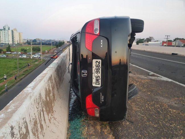 Foto de Motorista perde controle de veículo e morre no Contorno Norte