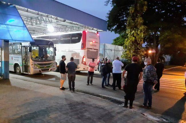 Foto de Sindicato continua impedindo saída dos ônibus