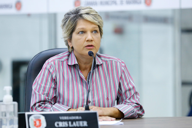 Vereadora bolsonarista quer proibir propaganda LGBT em Maringá